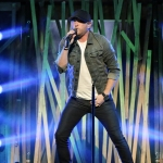Cole Swindell opening for Dierks Bentley at Xfinity Theatre on June 2, 2017 / Photo by Shawn St. Jean