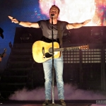 Dierks Bentley in Hartford CT on November 15, 2014.