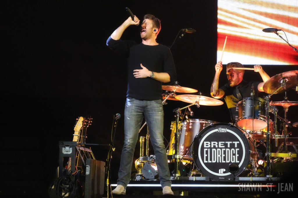 Brett Eldredge opening for Keith Urban at Brooklyn's Barclays Center on November 19, 2016.