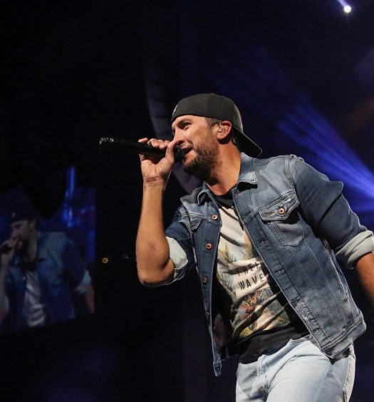 Luke Bryan in Hartford on May 13, 2017 / Photo by Shawn St. Jean