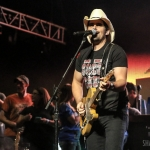 Brad Paisley in Hartford on August 6, 2017 / Photo by Shawn St. Jean