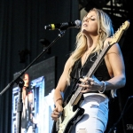 Lindsay Ell opening for Brad Paisley in Hartford on August 6, 2017 / Photo by Shawn St. Jean