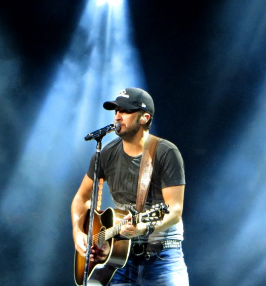 Luke Bryan in Hartford CT on September 13, 2014.