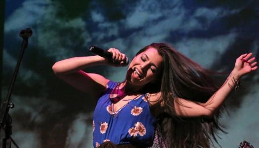 Jessica Lynn Shines In Headlining Debut at Ridgefield Playhouse