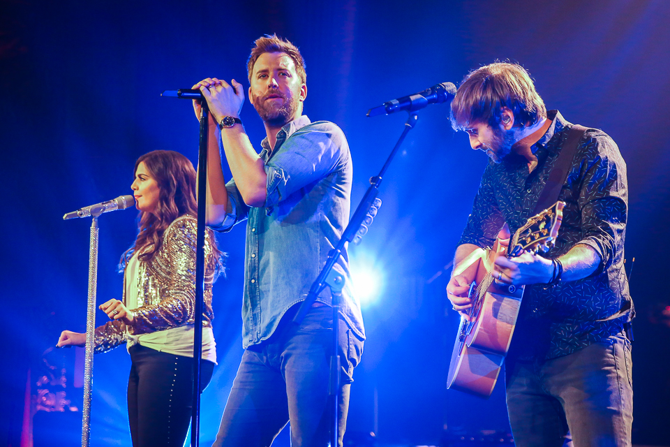 Lady Antebellum at the United Palace in NYC. Photo courtesy of Joe Papeo for Artists Den Entertainment.