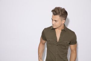Hunter Hayes / Photo by Robby Klein courtesy of Essential Broadcast Media