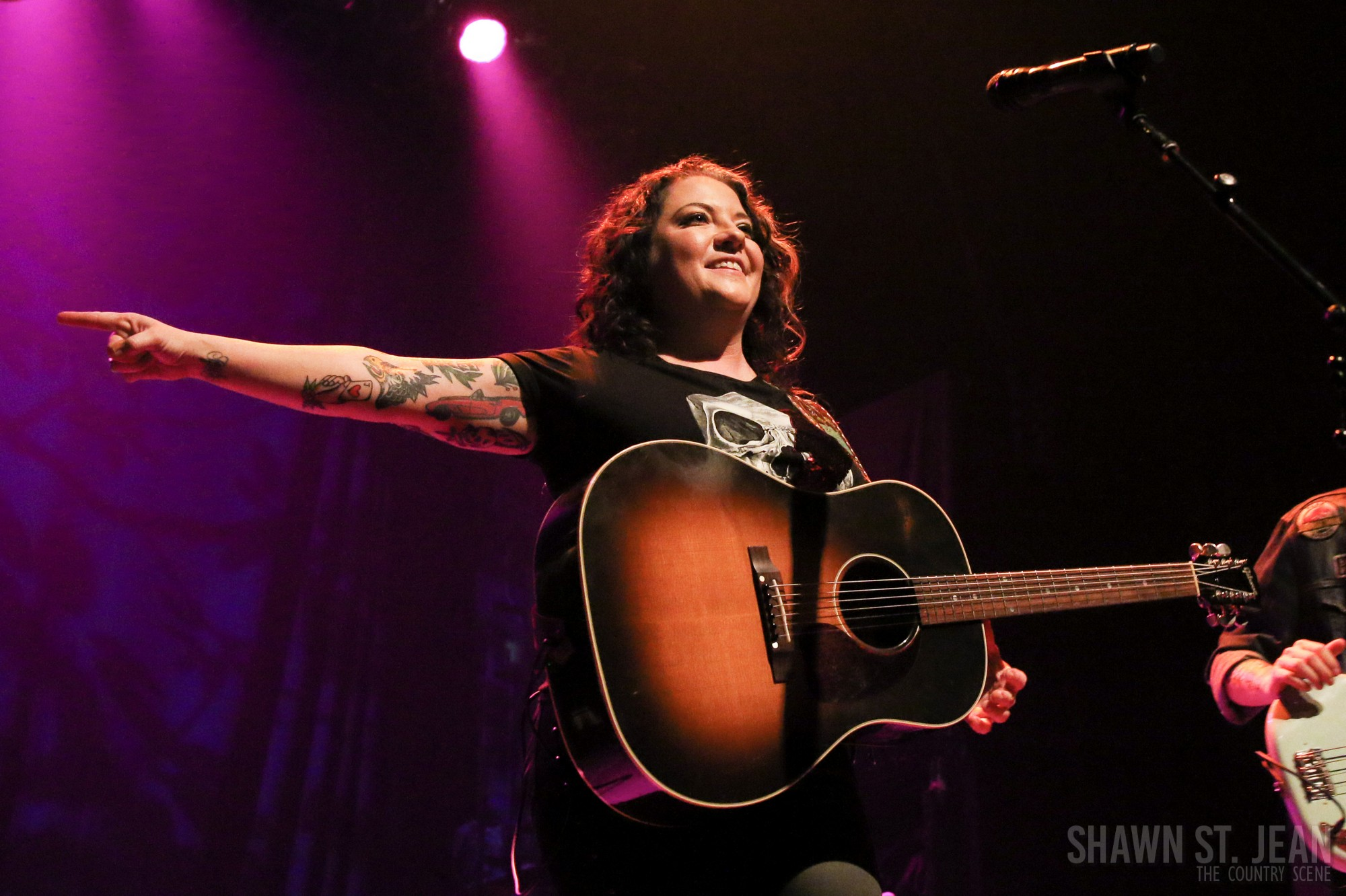 Ashley McBryde at Gramercy Theatre in NYC, December 5, 2018. Photo by Shawn St. Jean.