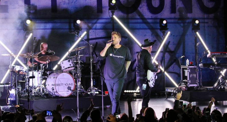 Brett Young at the PlayStation Theater in NYC, December 9, 2018. Photo by Shawn St. Jean.